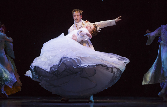 <p>Cinderella soars through the air in her prince&#39&#x3B;s arms.</p><br />(© Carol Rosegg)