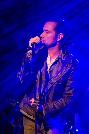 <p>Constantine Maroulis gets things started with Led Zeppelin&#39&#x3B;s &quot&#x3B;Babe, I&#39&#x3B;m Gonna Leave You&quot&#x3B;.</p><br />(© Seth Walters)