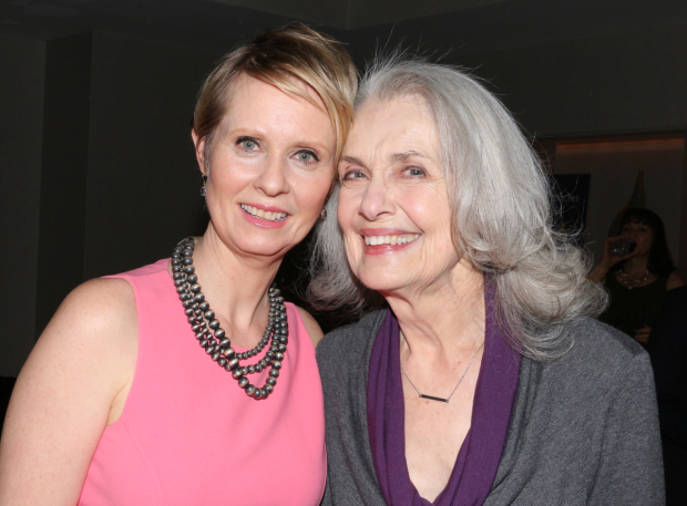 <p>Cynthia Nixon catches up with Mary Beth Peil.</p><br />(© David Gordon)