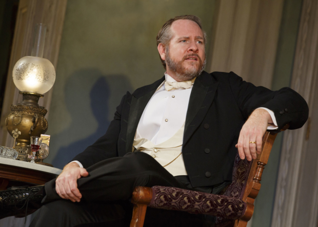 <p>Darren Goldstein is seen here as Oscar Hubbard.</p><br />(© Joan Marcus)