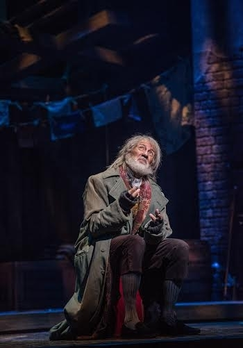 <p>David Garrison as the thieving Fagin.</p><br />(© Billy Bustamante)