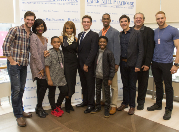 <p>Deborah Cox and Judson Mills (center) pose with the principal cast of <em>The Bodyguard</em>.</p><br />(© Seth Walters)