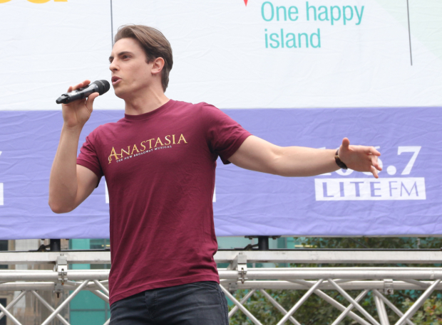 <p>Derek Klena brings down the house with &quot&#x3B;My Petersburg.&quot&#x3B;</p><br />(© David Gordon)