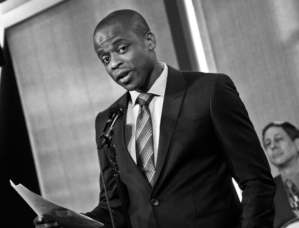 <p>Dulé Hill introduces the event.</p><br />(© David Gordon)