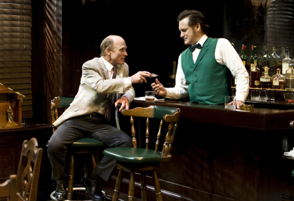 <p>Ed Harris chats with bartender Bill Pullman.</p><br />(© Monique Carboni)