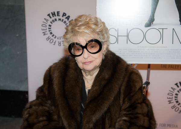 <p>Elaine Stritch stops for the press on her way to the premiere.</p><br />(© Seth Walters)