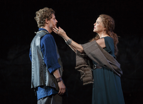 <p>Eric Sheffer Stevens as Edmund and Annette Bening as Goneril share a scene in Shakespeare in the Park&#39&#x3B;s <em>King Lear</em> at the Delacorte Theater.</p><br />(© Joan Marcus)
