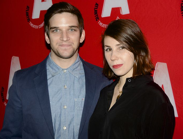 <p>Evan Jonigkeit and Zosia Mamet pose for photos before the gala.</p><br />(© Nessie Nankivell)