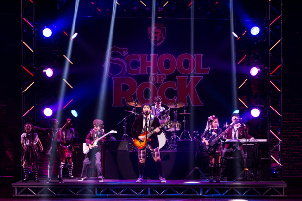 <p>Eventually, Dewey (Alex Brightman) and the kids compete in the battle of the bands. </p><br />(© Matthew Murphy)