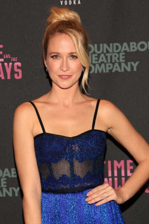 <p>Fan favorite Anna Camp stars as Hazel in <em>Time and the Conways</em>.</p><br />(© Tricia Baron)