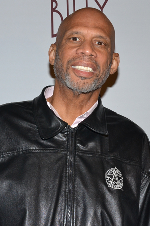 <p>Former NBA star Kareem Abdul-Jabbar was an old high school pal of <em>700 Sundays</em> star Billy Crystal.</p><br />(© David Gordon)