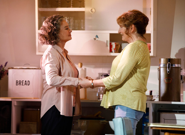 <p>Francesca Annis and Deborah Findlay share a scene.</p><br />(© Joan Marcus)