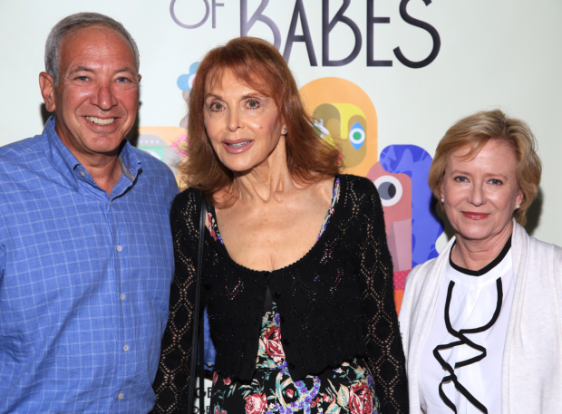 <p>Frank Bilotta, Tina Louise, and Eve Plumb have artwork being used on the show&#39&#x3B;s set.</p><br />(© Tricia Baron)