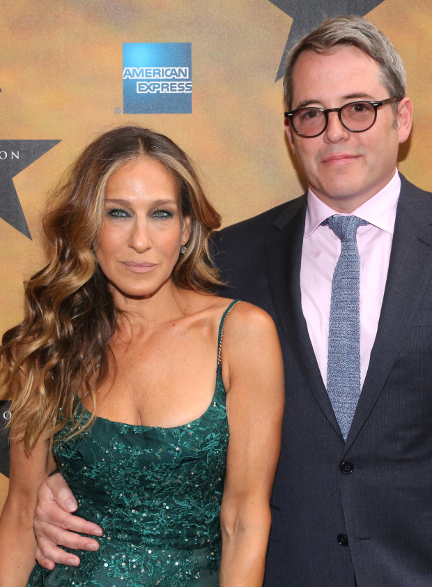<p>Glamorous Broadway couple Sarah Jessica Parker and Matthew Broderick arrive to check out the musical everyone&#39&#x3B;s been talking about.</p><br />(© David Gordon)