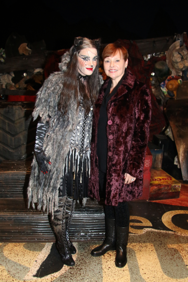 <p>Grizabella Jessica Hendy meets Linda Balgord, the final Grizabella of the original <em>Cats</em> run. </p><br />(photo courtesy of ''Cats'')