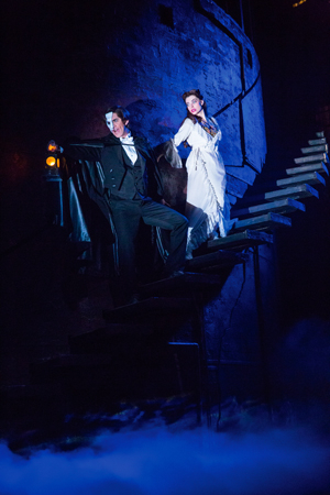 <p>Grodin and Udine share a haunting scene.</p><br />(© Matthew Murphy)
