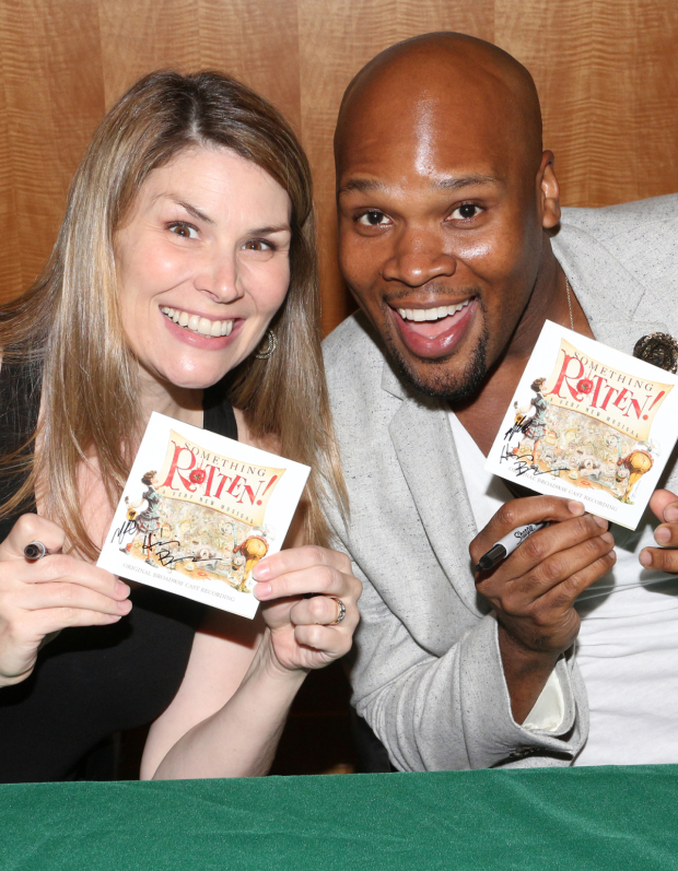 <p>Heidi Blickenstaff and Michael James Scott are super-excited to be signing CDs!</p><br />(© David Gordon)