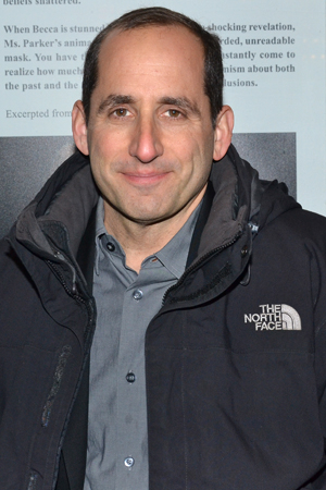 <p><em>House</em> star Peter Jacobson appeared with Debra Messing in the TV miniseries <em>The Starter Wife</em>.</p><br />(© David Gordon)