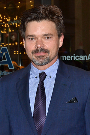 <p>Hunter Foster is on hand to cheer on his <em>Violet</em> star sister, Sutton.</p>