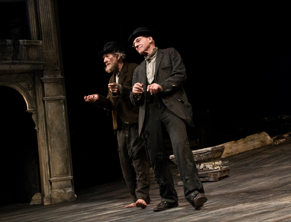 <p>Ian McKellen and Patrick Stewart perform a soft-shoe as they take their bow.</p><br />(© David Gordon)