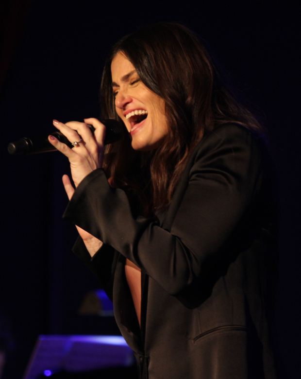 <p>Idina Menzel was, as always, a real showstopper.</p><br />(© Henry McGee)