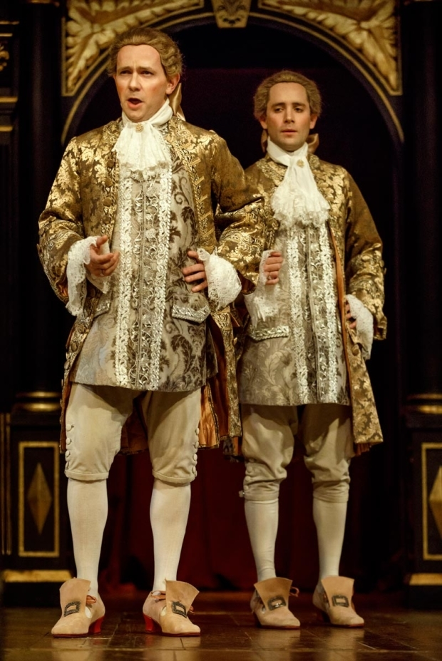 <p>Iestyn Davies and Sam Crane share the stage.</p><br />(© Joan Marcus)