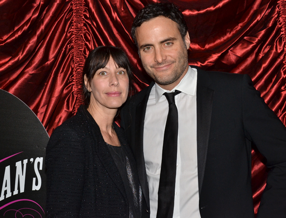 <p>Ilana Levine and Dominic Fumusa spend date night at a Broadway show.</p><br />(© David Gordon)