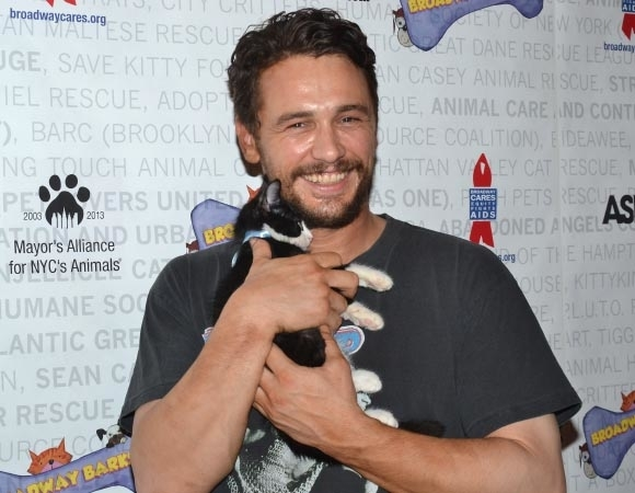<p>It doesn&#39&#x3B;t get more adorable than James Franco and a kitty named Totes McGotes.</p><br />(© David Gordon)