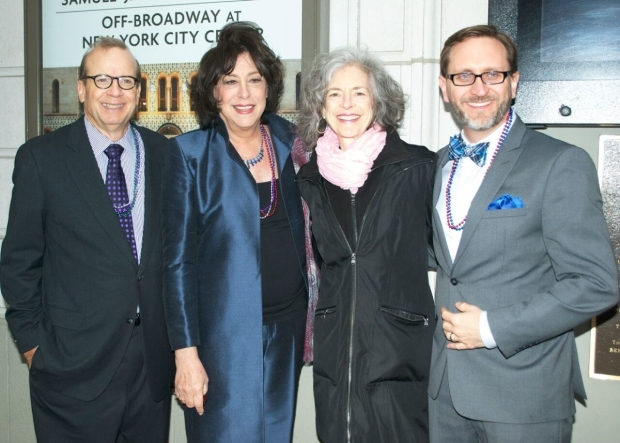 <p>It&#39&#x3B;s a meeting of the minds for Manhattan Theatre Club and Steppenwolf Theatre Company staff, who come together for this coproduction.</p><br />(© Kristin Goehring)
