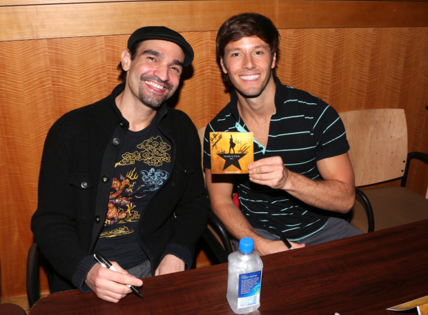 <p>Javier Muñoz and Thayne Jasperson love their new record.</p><br />(© David Gordon)