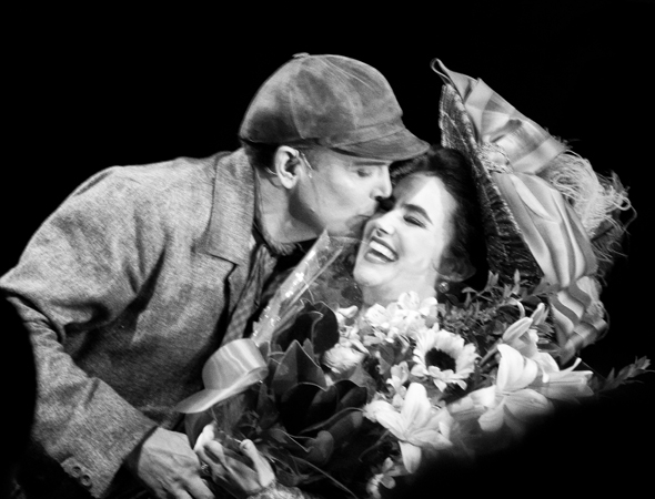<p>Jefferson Mays plants a juicy kiss on costar Lauren Worsham&#39&#x3B;s cheek after presenting her with opening-night flowers.</p><br />(© David Gordon)