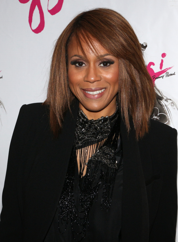 <p><em>Jekyll &amp&#x3B; Hyde</em> star Deborah Cox takes some photos before <em>Gigi</em> begins.</p><br />(© David Gordon)