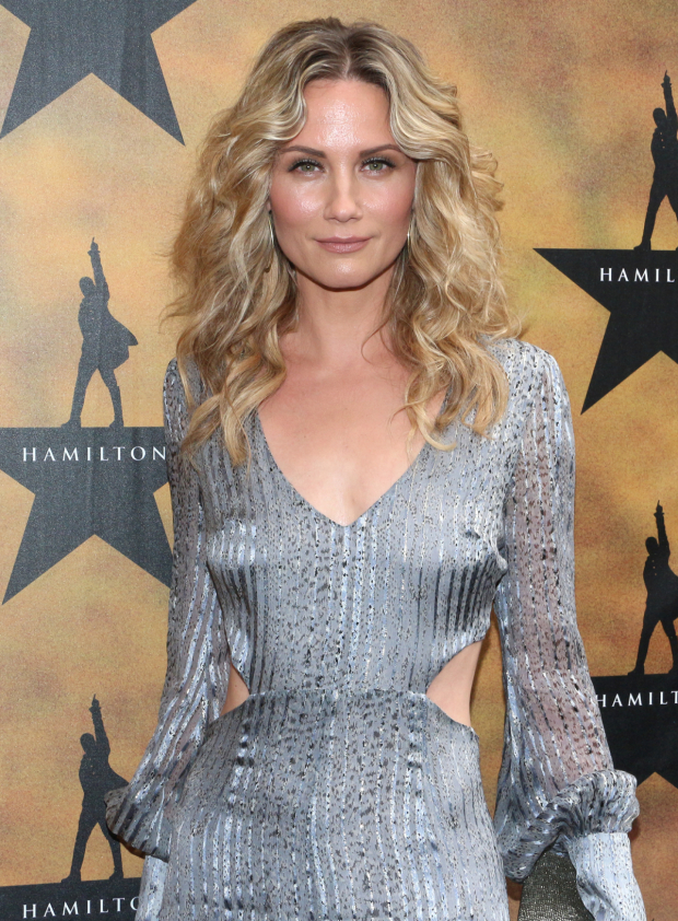 <p>Jennifer Nettles recently starred as Roxie in Broadway&#39&#x3B;s <em>Chicago</em>.</p><br />(© David Gordon)