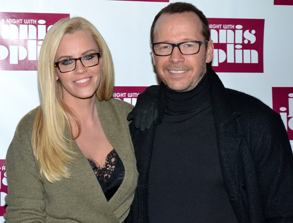 <p>Jenny McCarthy and Donnie Wahlberg spend date night on Broadway.</p><br />(© David Gordon)