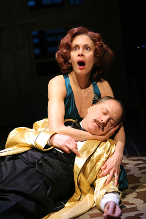 <p>Jessica Hecht plays a death scene with her costar, Daniel Jenkins.</p><br />(© Joan Marcus)