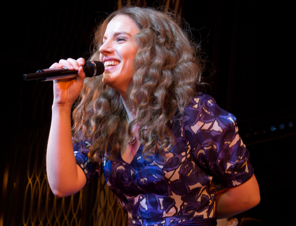 <p>Jessie Mueller leads the cast and audience in a sing-along of Carole King&#39&#x3B;s classic tune &quot&#x3B;I Feel the Earth Move.&quot&#x3B;</p><br />(© David Gordon)