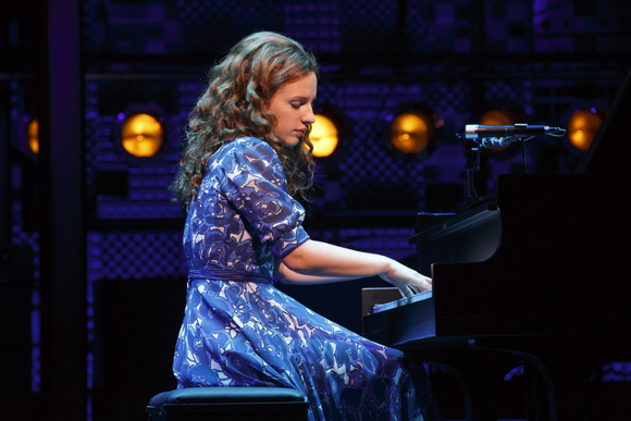 <p>Jessie Mueller stars as the famous songstress Carole King.</p><br />(© Joan Marcus)