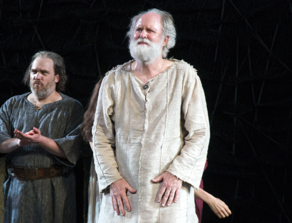 <p>John Lithgow comes out for his solo bow.</p><br />(© David Gordon)