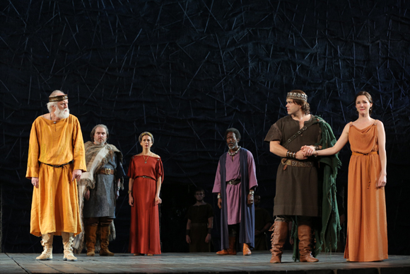 <p>John Lithgow leads the cast of <em>King Lear</em> at Shakespeare in the Park.</p><br />(© Joan Marcus)