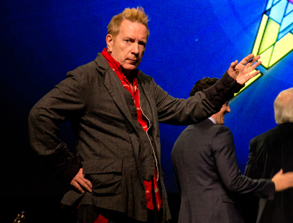 <p>Johnny Rotten strikes a pose as the event comes to its conclusion.</p><br />(© David Gordon)