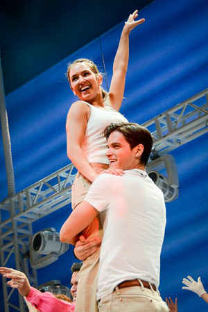 <p>Jon Jorgenson gives Elena Ricardo a lift during the grand finale. </p><br />(© Nessie Nankivell)