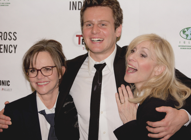 <p>Jonathan Groff bonds with fellow cast members Sally Field and Judith Light.</p><br />(© Kristin Goehring)