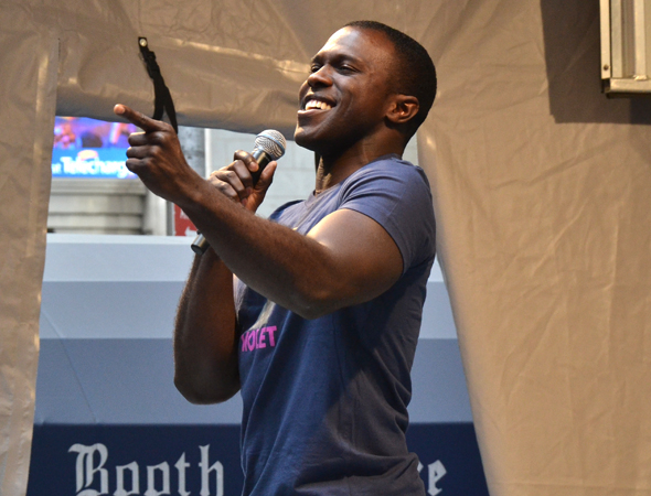 <p>Joshua Henry wows the crowd by performing &quot&#x3B;Let It Sing&quot&#x3B; from <em>Violet</em>.</p><br />(© David Gordon)