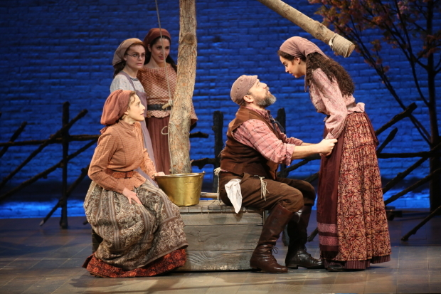 <p>Judy Kuhn as Golde with onstage husband Danny Burstein and daughters Melanie Moore, Samantha Massell, and Alexandra Silber.</p><br />(© Joan Marcus)