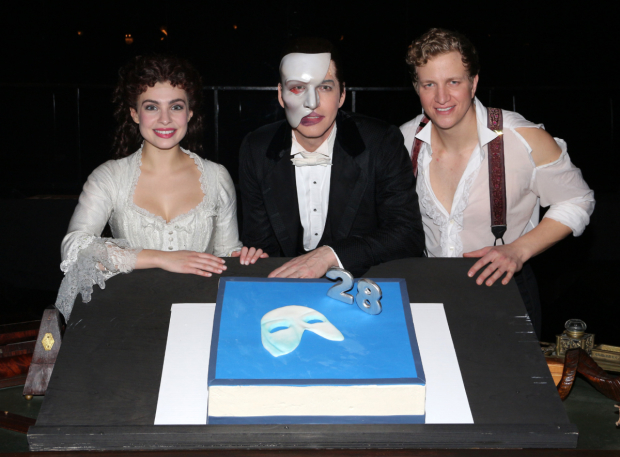 <p>Julia Udine, James Barbour, and Jeremy Hays are ready to dig right in.</p><br />(© David Gordon)