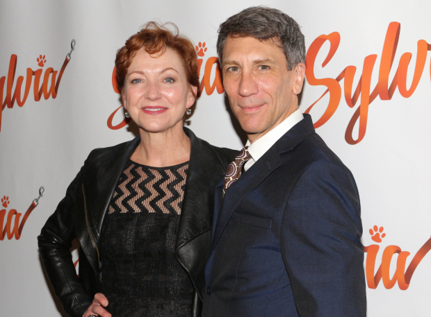 <p>Julie White takes a snapshot momento of the evening with costar Robert Sella.</p><br />(© David Gordon)