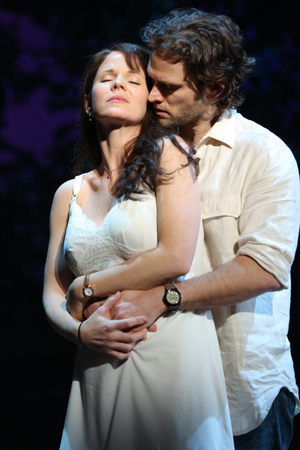 <p>Kelli O&#39&#x3B;Hara and Steven Pasquale costar in <em>The Bridges of Madison County</em> at the Gerald Schoenfeld Theatre.</p><br />(© Joan Marcus)
