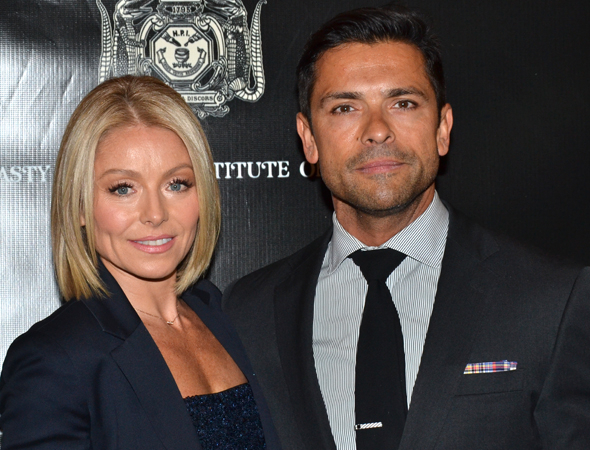 <p>Kelly Ripa and Mark Consuelos are ready to cheer on their pal NPH.</p><br />(© David Gordon)