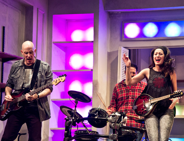 <p>Ken Triwush, Steve Rosen, and Hannah Elless rock out onstage.</p><br />(© David Gordon)