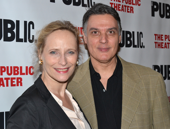 <p>Laila Robins and Robert Cuccioli posed for photos before the performance began.</p><br />(© David Gordon)